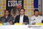 Vivek Oberoi launch Vinod Nair's book Pic 2