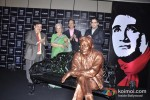Waheeda Rehman unveils Dev Anand's Statue at UTVSTARS' Walk Of The Stars Pic 1
