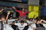 Leander Paes Dances in Flash Mob and Promotes 'Rajdhani Express' Pic 7