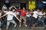 Leander Paes Dances in Flash Mob and Promotes 'Rajdhani Express' Pic 1