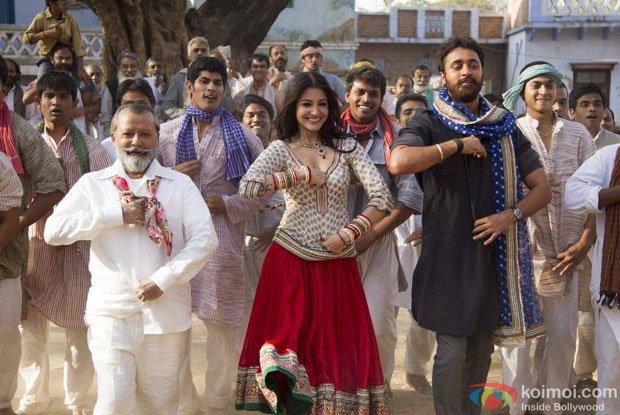 Matru Ki Bijlee Ka Mandola Review (Matru Ki Bijlee Ka Mandola Movie Stills)