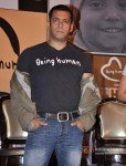 "Salman Khan Launches 1st Flagship Store of ""Being Human"" Pic 3"