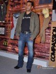 "Salman Khan Launches 1st Flagship Store of ""Being Human"" Pic 1"