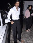 Shah Rukh Khan at 'Mumbai Mirror' Premiere Pic 3
