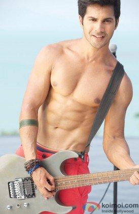 Varun Dhawan flaunts his toned body