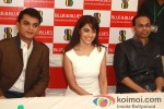 Genelia D'Souza Unveils Spring-Summer Collection of 'Blue & Blues' Pic 6
