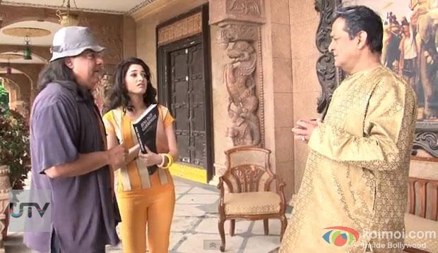 Sajid Khan, Tamannaah and Mahesh Manjrekar on the sets of Himmatwala Movie