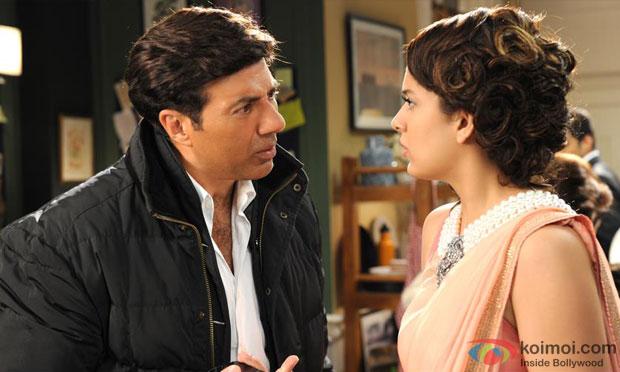 Sunny Deol and Kangana Ranaut in a still from I Love New Year Movie