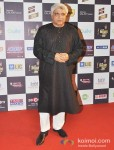 Javed Akhtar walk the Red Carpet of 'Mirchi Music Awards' 2013