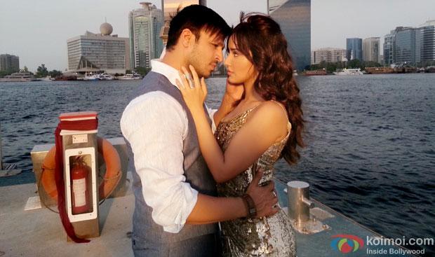 Vivek Oberoi and Neha Sharma in a still from Jayantabhai Ki Luv Story Movie