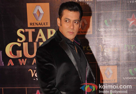 Salman Khan Walk The Red Carpet of Star Guild Awards 2013