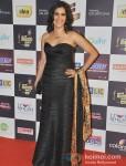 Sona Mohapatra walk the Red Carpet of 'Mirchi Music Awards' 2013