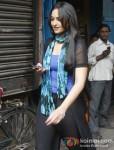 Sonakshi Sinha shoot for 'Bullet Raja' in Kolkata Pic 3
