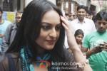 Sonakshi Sinha shoot for 'Bullet Raja' in Kolkata Pic 2
