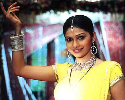 Prachi Desai still from Kasamh Se TV Serial