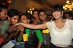 Veena Malik gets kissed by 100 men on her birthday Pic 2