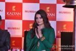 Aishwarya Rai Bachchan at 'Kalyan Jewellers' press meet Pic 10