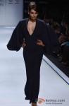 Bipasha Basu walks the ramp at 'Lakme Fashion Week 2013' Pic 5