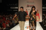Chitrangada Singh scorches the ramp at 'Lakme Fashion Week 2013' Pic 7