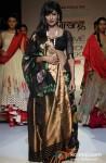 Chitrangada Singh scorches the ramp at 'Lakme Fashion Week 2013' Pic 2