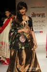 Chitrangada Singh scorches the ramp at 'Lakme Fashion Week 2013' Pic 4