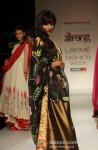 Chitrangada Singh scorches the ramp at 'Lakme Fashion Week 2013' Pic 5