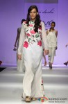 Hazel Keech sashays down the ramp at 'Lakme Fashion Week 2013' Pic 4
