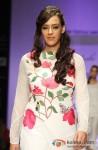 Hazel Keech sashays down the ramp at 'Lakme Fashion Week 2013' Pic 3