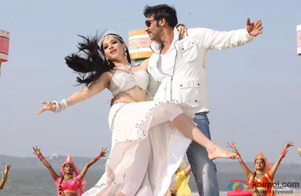 Himmatwala Review (Himmatwala Movie Stills)