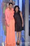 Kareena Kapoor walks the ramp at 'Lakme Fashion Week 2013' - Last Day Pic 8