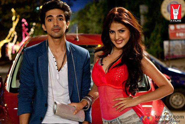 Still from Mere Dad Ki Maruti Movie