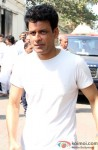 Manoj Bajpai attend Sonu Nigam's Mother's Funeral