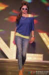 Model walk the ramp at Spring Summer 13 collection Pic 7