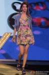 Model walk the ramp at Spring Summer 13 collection Pic 6