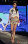 Model walk the ramp at Spring Summer 13 collection Pic 5