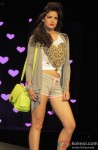Model walk the ramp at Spring Summer 13 collection Pic 2