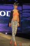 Model walk the ramp at Spring Summer 13 collection Pic 1