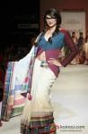 Prachi Desai walks the ramp at 'Lakme Fashion Week 2013' Pic 5