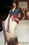 Prachi Desai walks the ramp at 'Lakme Fashion Week 2013' Pic 4