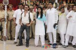 Ravi Kishan, Tena Desae shoot Holi song for film 'Dussehra'