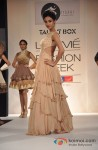 Sonal Chauhan walks the ramp at Talent Box Show Pic 2