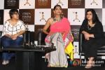 Sonam Kapoor announces L'Oreal Paris Femina Women Awards 2013 Pic 5