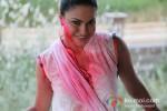 Veena Malik Playing Colour Holi Pic 12