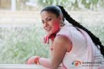 Veena Malik Playing Colour Holi Pic 8