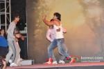 Vidyut Jamwal performs stunts at 'Commando' music launch Pic 3