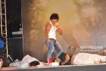 Vidyut Jamwal performs stunts at 'Commando' music launch Pic 2