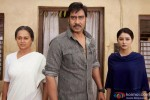 Zarina Wahab, Ajay Devgn and Leena Jumani in Himmatwala Movie Stills