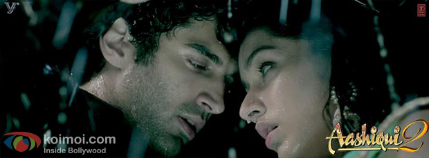 Aditya Roy Kapoor and Shraddha Kapoor in a still from Aashiqui 2 Movie