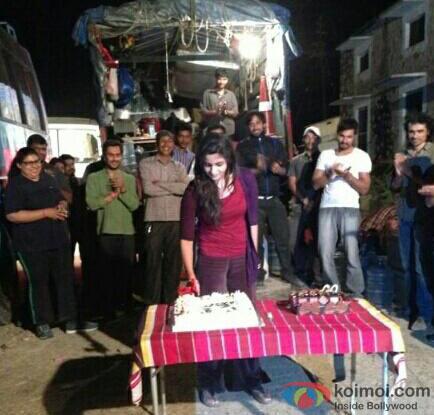 Alia Bhatt's Birthday on the sets of Highway