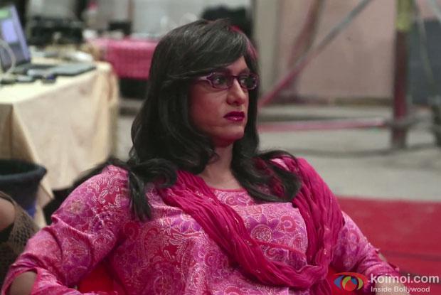 Aamir Khan as lady in making of ad 2013